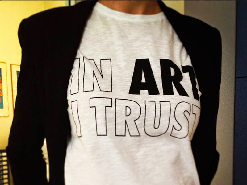 3-WHOARTYOU-in-art-i-trust